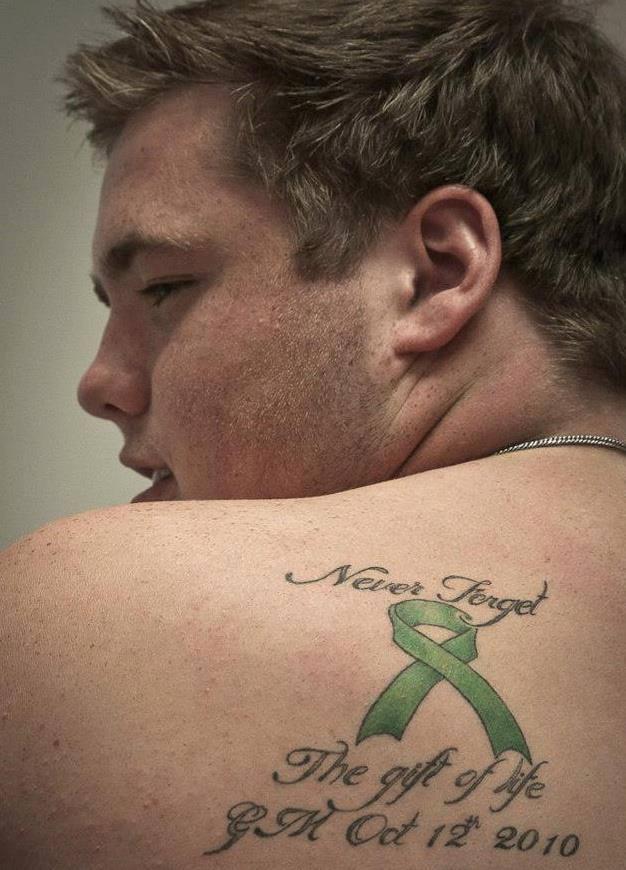 transplant scar tattoo cody with tato commemorating transplant bob s newheart. Black Bedroom Furniture Sets. Home Design Ideas